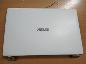 ASUS X551 D550 F551M Fedlap 13NB0342AP0141 47XJCLCJN10 elsőkeret zsanér használt