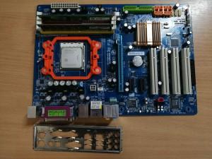 GIGABYTE GA-M56S-S3 Alaplap AM2+ Ajándék X2 4600+ 2GB ram használt 1 hó gar!