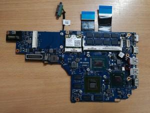 Sony Vaio SVS151 SVS1512S1C V131 MBX-262 1P-0128204-A011 I5-3230M GT640 alaplap használt 1 hó gar!