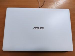 Asus P550 X550 X552 sorozat Kijelző fedlap 13NB03VCAP0301, 13NB03VCP01011-1, 13N0-QKA0401 + zsenér + LCD első keret használt 1 hó gar!