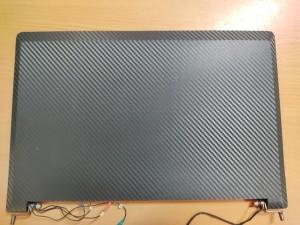 Clevo / Vision Computer W350ET W350SKQ W355SSQ W35x sorozathoz LCD Fedlap elsőkeret zsanérokkal 6-39-W35E1-021 carbon fóliázott használt 1 hó gar!
