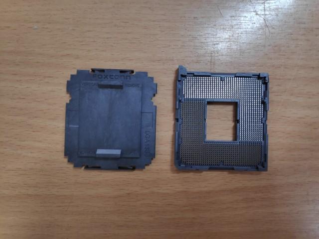 Socket 1366 CPU foglalat.