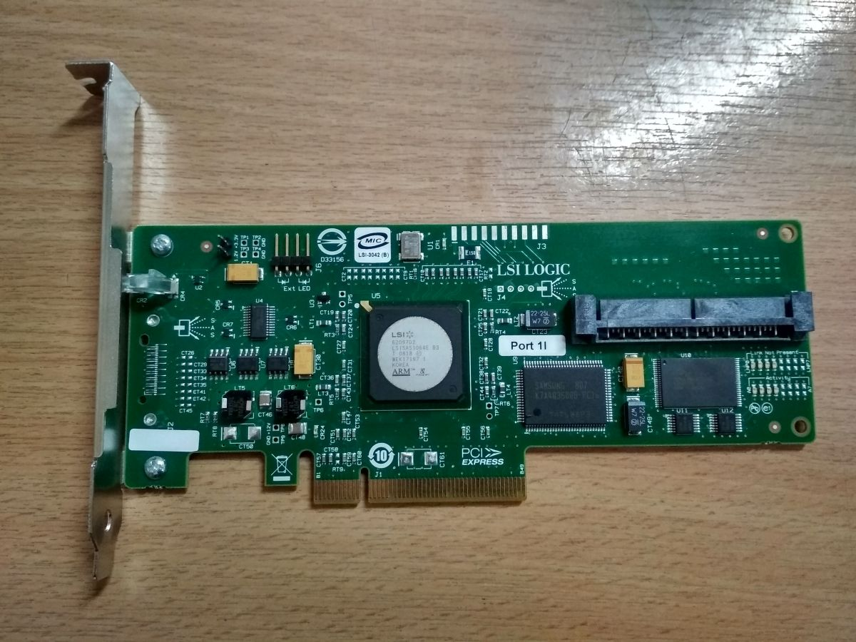 LSI Logic SAS3042E-HP 3 Gb/s SAS RAID Controller x8 447430-001 L3-25002-03C használt 1 hó gar!
